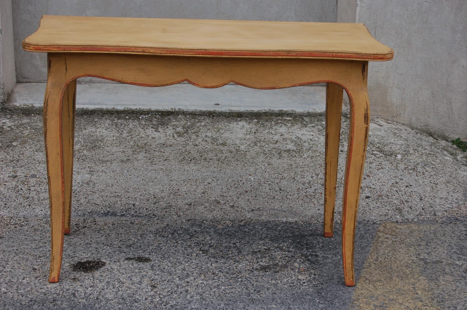 paire de tables console peintes 39 381. Black Bedroom Furniture Sets. Home Design Ideas